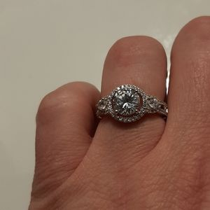 Jewelry - Beautiful 925 Silver diamond ring